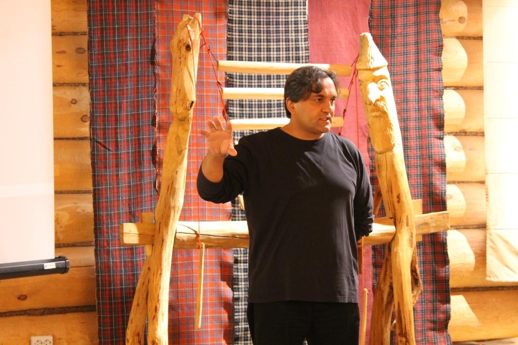 Президент фонда «Диалог культур – единый мир», руководитель проекта «Этномир» Руслан Байрамов. Фото: © «ДЕНЬ.org»