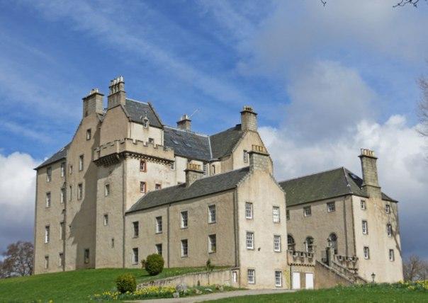 Гендиректор РАО Сергей Федотов купил в Шотландии замок с привидением. Фото: vk.com