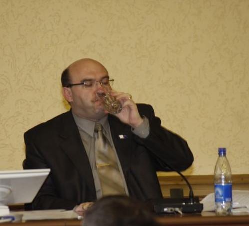 Депутату Василию Шаталову пришлось изрядно поволноваться, но, похоже, он может уже расслабиться.