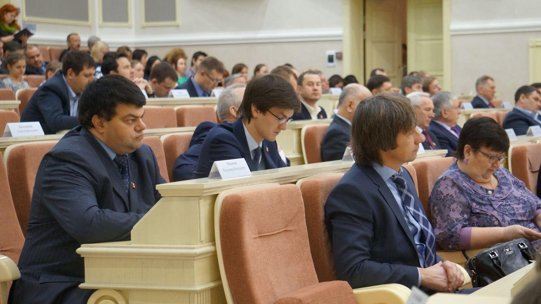 Наиль Кутдузов (в центре) и Денис Щелканов (справа). Фото: © «ДЕНЬ.org»