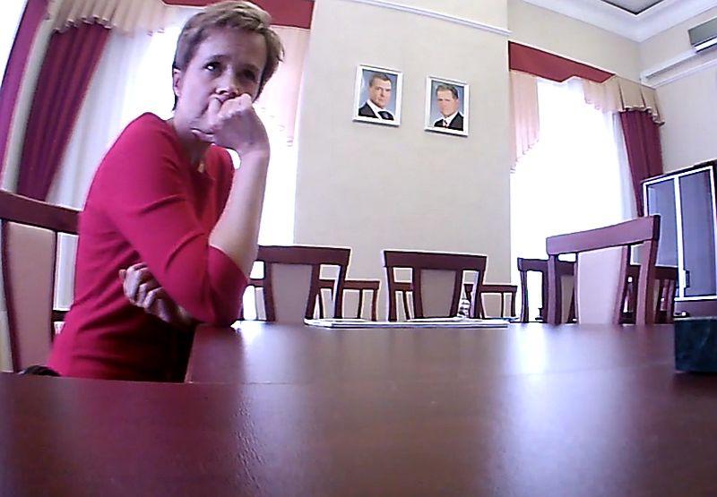 На кадрах восьмилетней давности директор зоопарка Удмуртии Светлана Малышева выглядела примерно так. Источник: Скриншот кадра видео.