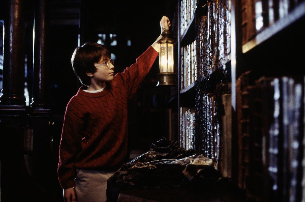 """Фото: кадр из фильма """"Гарри Поттер и философский камень"""""""