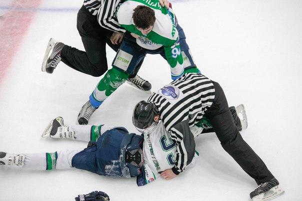 Марат Карлиев во время одной из игр в составе «Батыра» (номер 90). Фото: vk.com (Марат Карлиев)