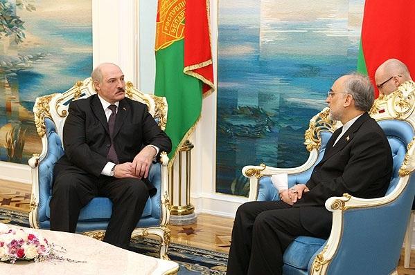Иран подтвердил, что поставит вБеларусь 600 000 баррелей нефти