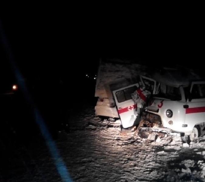 ВБалезинском районе нетрезвый шофёр «скорой помощи» столкнулся с«КамАЗом»