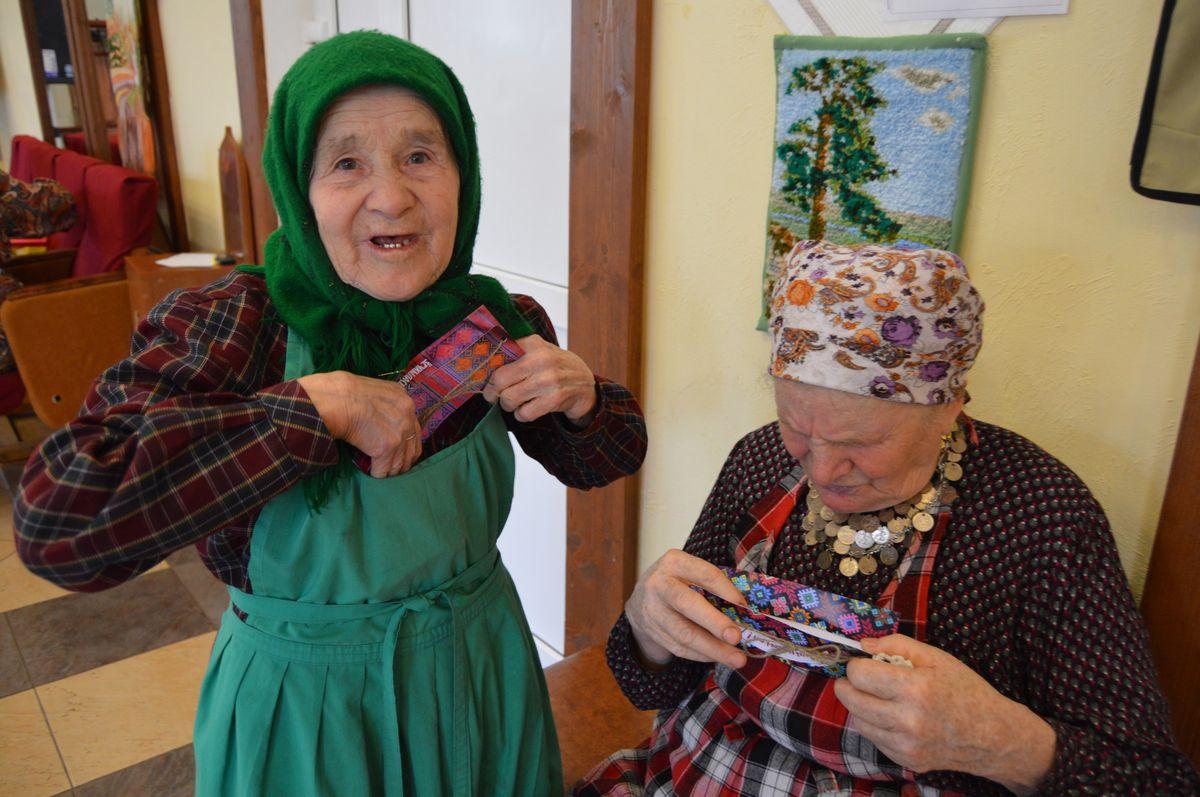 Наталья Пугачева и Зоя Дородова. Фото: © «ДЕНЬ.org»