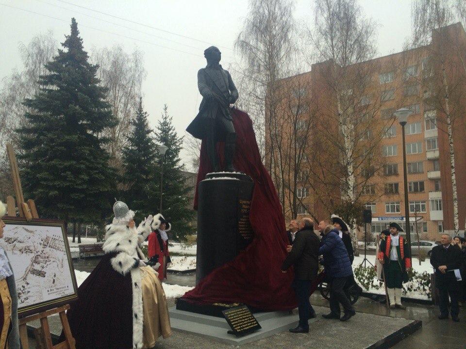 Открытие памятника графу Шувалову. Фото: © «ДЕНЬ.org»
