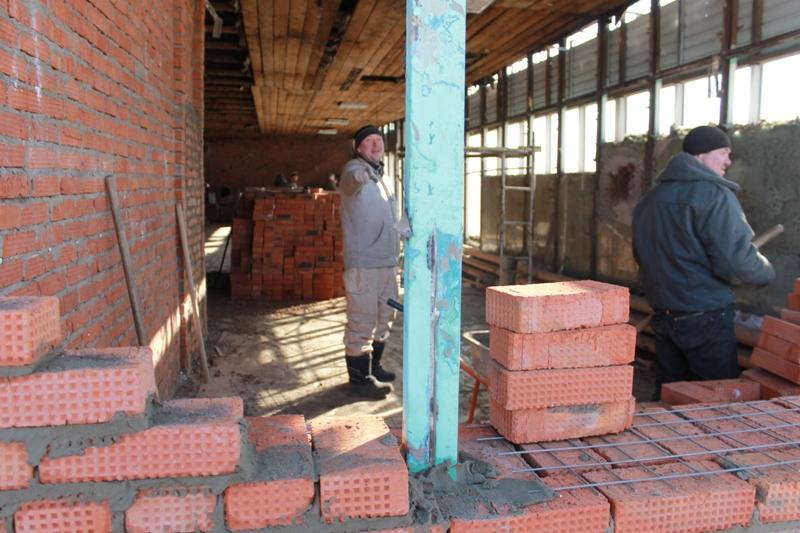 Бригадир подрядной организации Алексей Голубев. Фото: © «ДЕНЬ.org»
