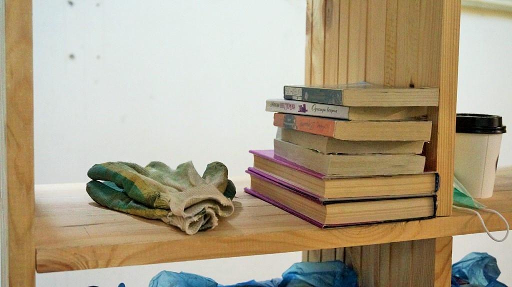 Один из самых известных магазинов подержанных книг в Ижевске — «Букинист», снабжавший местных интеллектуалов изданиями целых 13 лет, закрылся. Но перед этим ижевчане смели абсолютно все книги на прилавках... Читать далее...