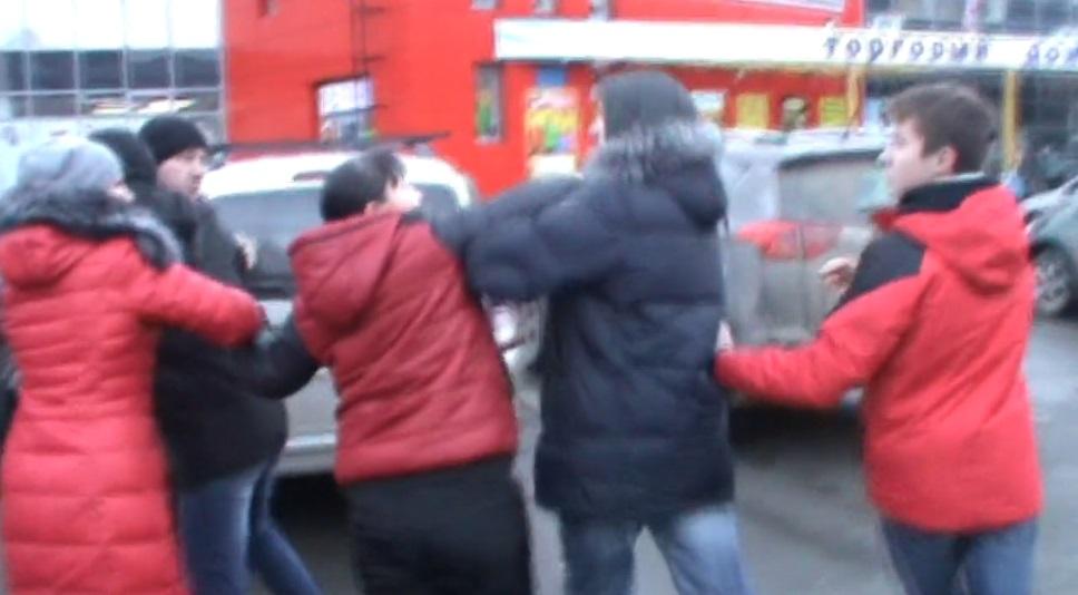 Кадр видеоролика с рейда «Лев против» в Ижевске