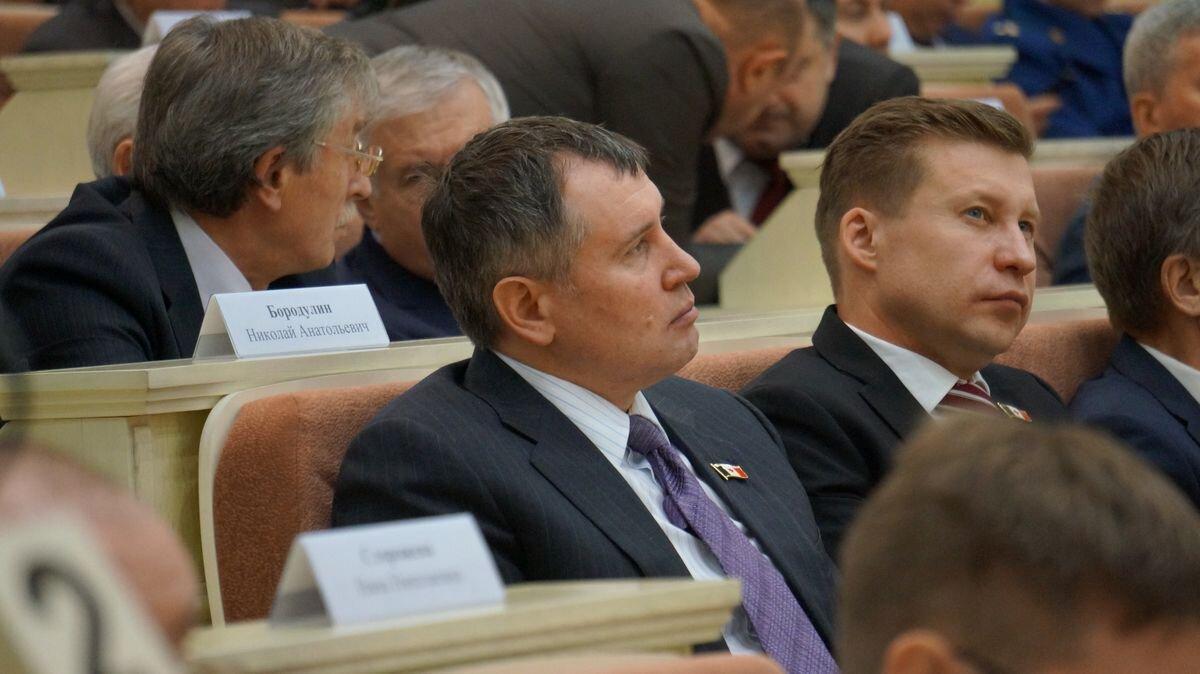 Недавно ставший депутатом Юрий Тюрин, возможно, последний обладатель значка из серебра с золотом. Фото: ©«ДЕНЬ.org»