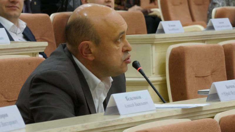 Юрий Бычков предложил отправить в отставку министра Маринина и вице-премьера Сивцова. Фото: «ДЕНЬ.org»