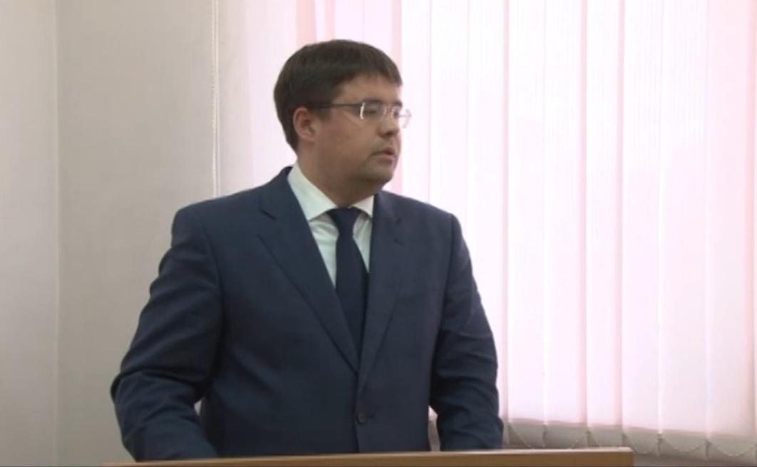 Гендиректор компании ГК «Кейтеринбург» Андрей Гончаров выступает на круглом столе в Можге. Скрин с видео