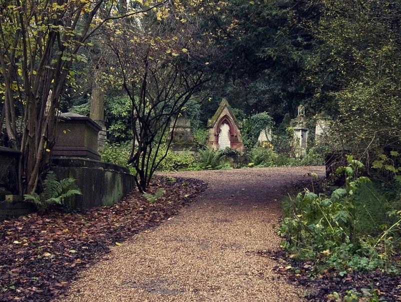 Управляющий кладбищем вИжевске предстанет перед судом завзятку