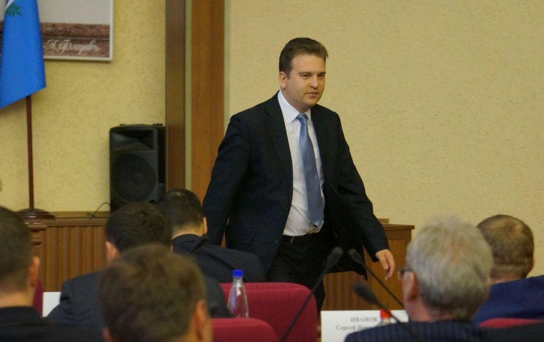 Начальник УБиТ Михаил Тарасов уверенно шагает по ступеням карьеры. Фото: ©«ДЕНЬ.org»