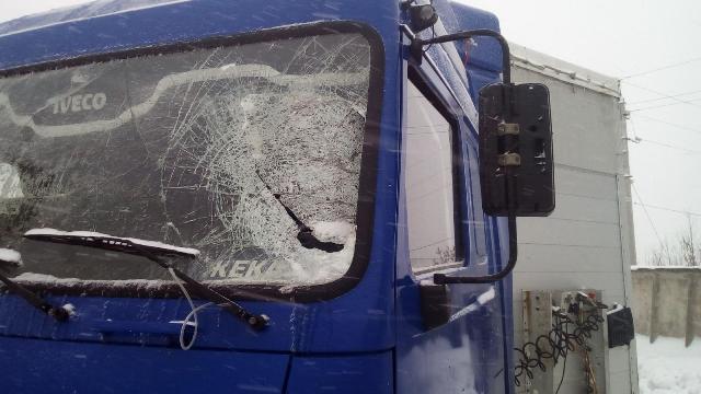 Шофёр вУдмуртии пострадал отпадения снега накабину МАЗа