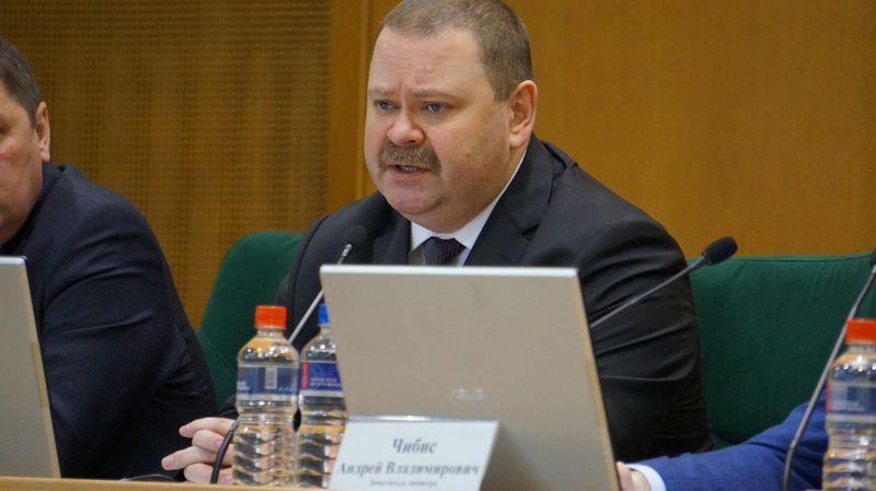 Олег Мельниченко сказал, что в Ижевске созданы такие условия, когда люди «берутся за берданки». Фото: ©«ДЕНЬ.org»