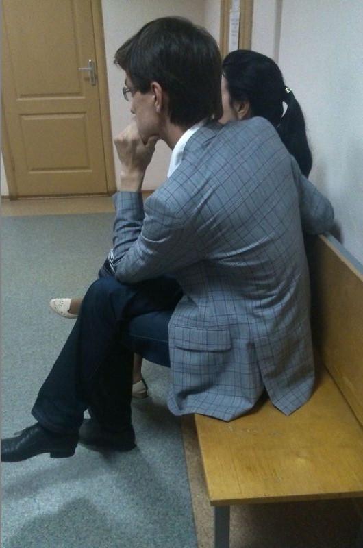 В мае Наиль Кутдузов дожидался в суде решения о мере пресечения его отцу Рауфу Кутдузову. Спустя полгода в аналогичной ситуации оказался он сам. Фото: ©«ДЕНЬ.org»