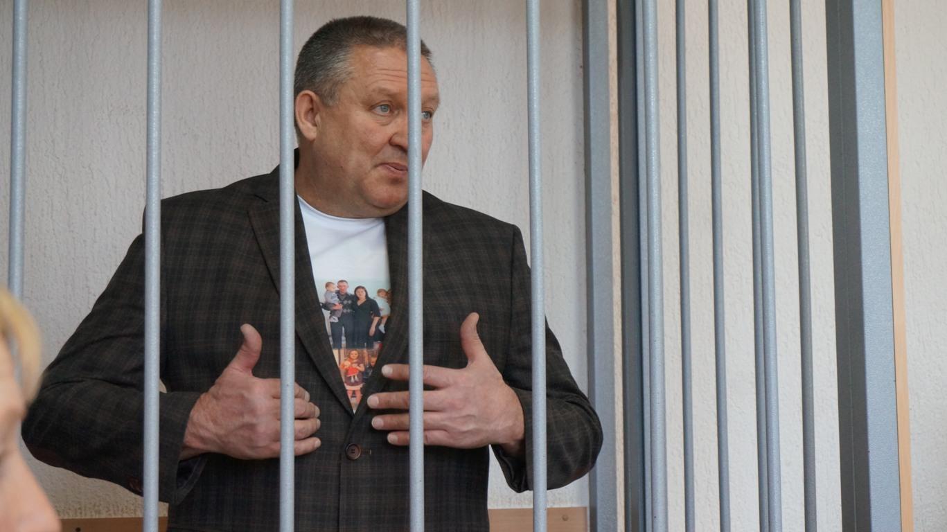 Впервые спустя 11 месяцев следствия и суда обвиняемый в получении взятки глава Малопургинского района Удмуртии решился давать показания... Читать далее...