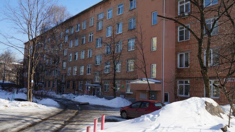 Не все знают, что Михаил Калашников жил в обычной пятиэтажке. Фото: © «ДЕНЬ.org»