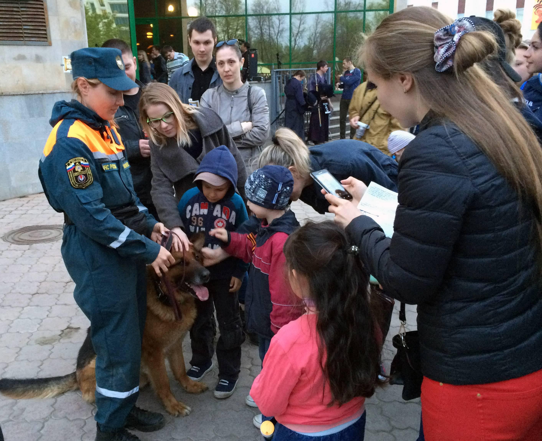 Чествование собаки-спасателя Тайлера. Фото ©День.org