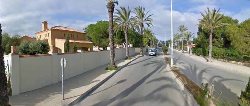 «Агашинский» земельный участок в местечке Playa de cabo Roig (Мыс долины Парусников) на юго-востоке Испании. Источник: dayudm.ru