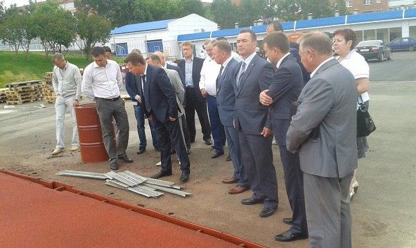 Виктор Савельев провел совещание по готовности стадиона 1 июля. Фото: udmurt.er.ru
