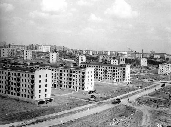 Строительство хрущевок в Москве. Фото: ptuburdukov.ru