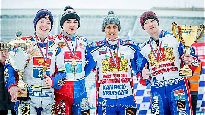 Динар Валеев (второй слева) и его партнеры по чемпионской команде. Фото: Сергей Афанасьев, mfr.ru