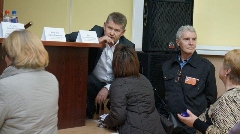 Сергей Сурнин на встрече с жителями. Фото: © «ДЕНЬ.org»