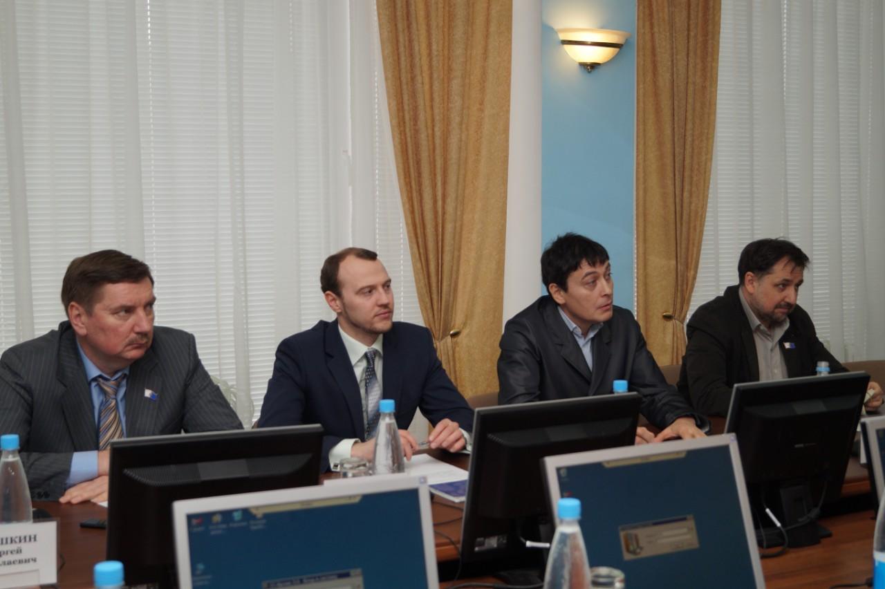 На заседании депутатской комиссии по МСУ Гордумы Ижевска. Фото facebook (комиссия МСУ)