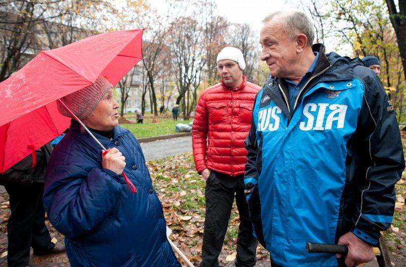 Глава УР Александр Соловьев лично пообщался с активными гражданами.