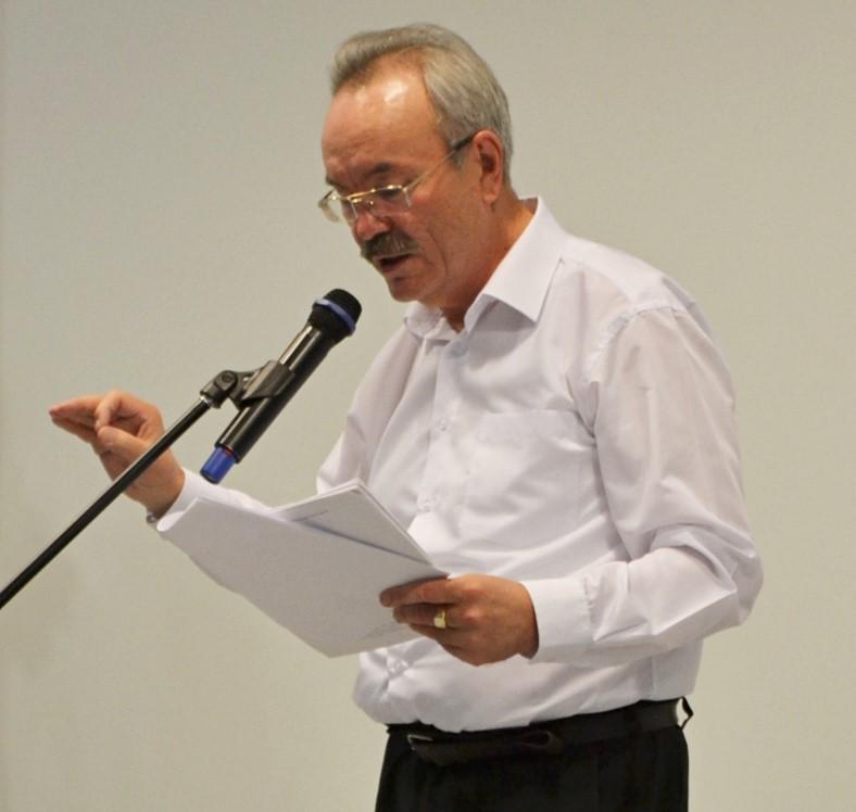 Виновник творческого вечера читал много своих стихов. Фото: Александр Поскребышев
