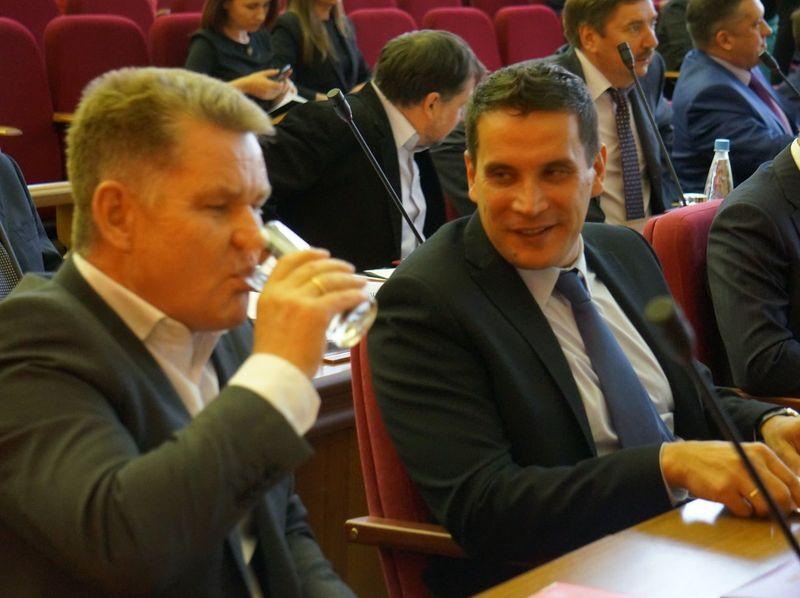 Депутаты Гордумы Ижевска Сергей Сурнин и Дмитрий Сурнин (справа). Фото ©«ДЕНЬ.org»