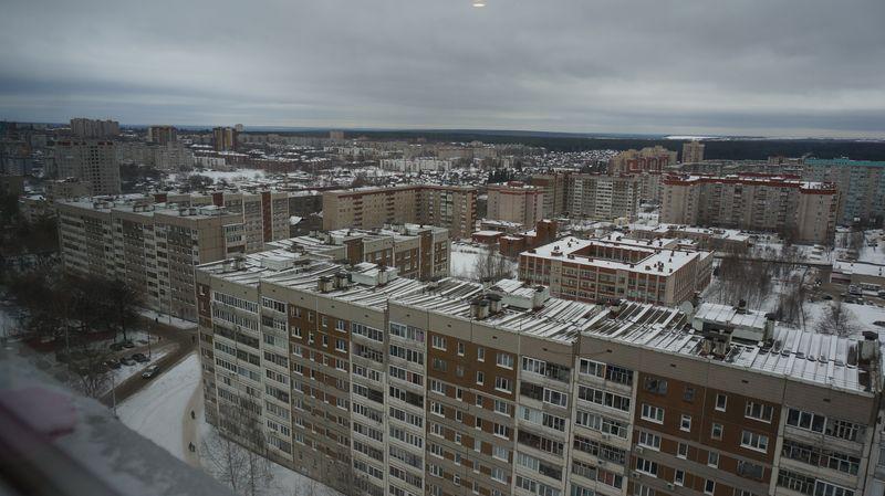 На двух-, трехкомнатные квартиры в таких домах жителям Ижевска придется копить 8 лет. Фото: ©«ДЕНЬ.org»
