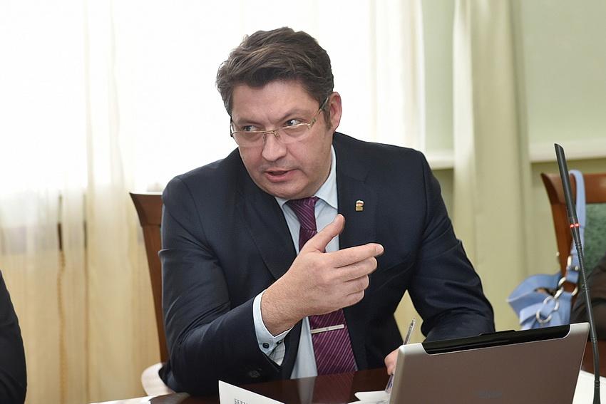 Глава Глазова Олег Бекметьев первым начал активно обсуждать ТОСЭР в Удмуртии. Фото: glazovportal.net