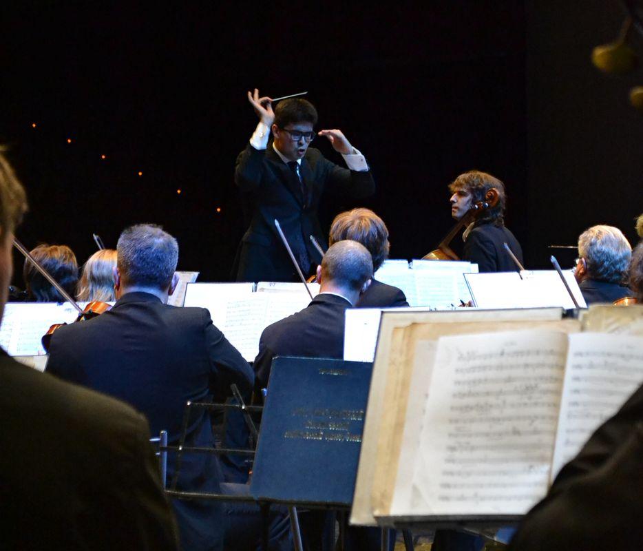 Для Валентина Урюпина концерт на родине Чайковского стал премьерным в обращении к Мясковскому и Скрябину. Фото: Александр Поскребышев