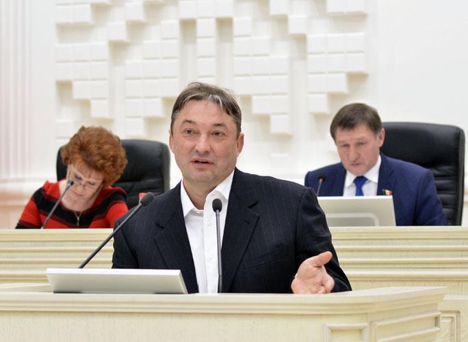Предложение Андрея Осколкова о всенародных выборах мэров городов депутаты Госсовета отвергли.