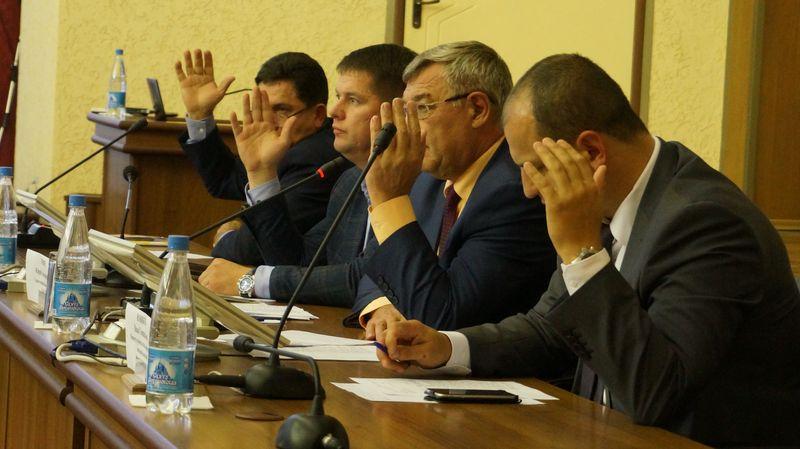 Юрий Тюрин пообещал, что все поступившие замечания и предложения в генплан будут рассмотрены.Фото: © «ДЕНЬ.org»