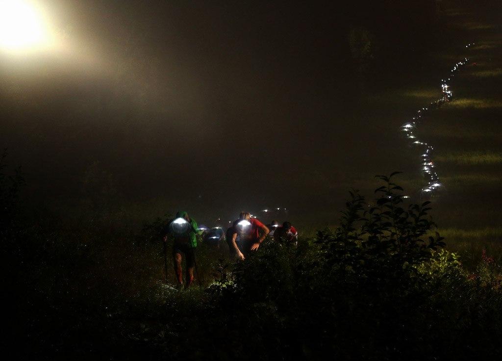 Ночной переход с туманом и дождем. Фото: transural-run.com