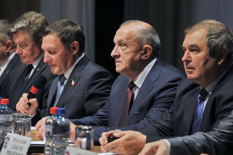 В президиуме конференции: Андрей Гальцин, Владимир Невостуев, Александр Соловьёв, Алексей Прасолов. Фото udmurt.ru