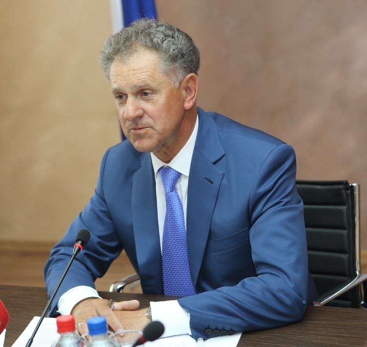 Медведев выразил сожаления родным первого президента Удмуртии