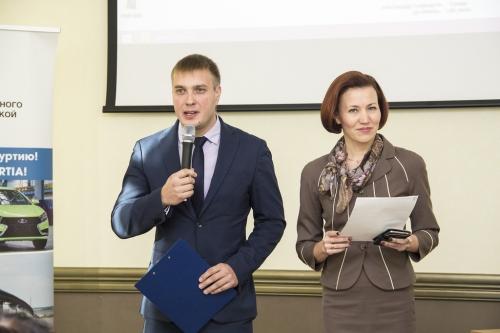 Римма Бякова и Роман Вахитов. Фото: airur.ru