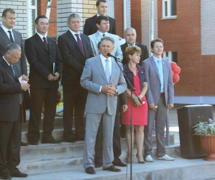 Архивное фото, где два депутата от Якшур-Бодьинского района вновь стоят вместе. Фото: vk.com (Алексей Вахрушев)