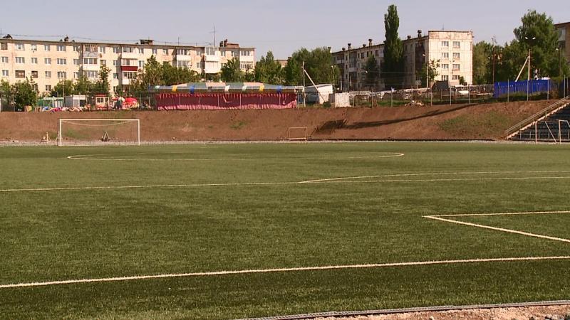 """Стадион """"Знамя"""". Конец мая 2015 года. Фото: votkinsk.net"""