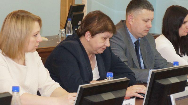 Елена Дворниченко своими ответами практически подписалась под бессилием управления ЖКХ. Фото: ©«ДЕНЬ.org»