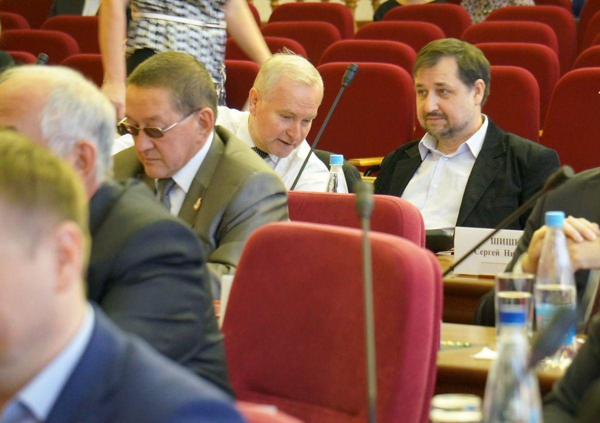 На заседании Гордумы Ижевска. Сергей Щукин (на фото справа) ©День.org