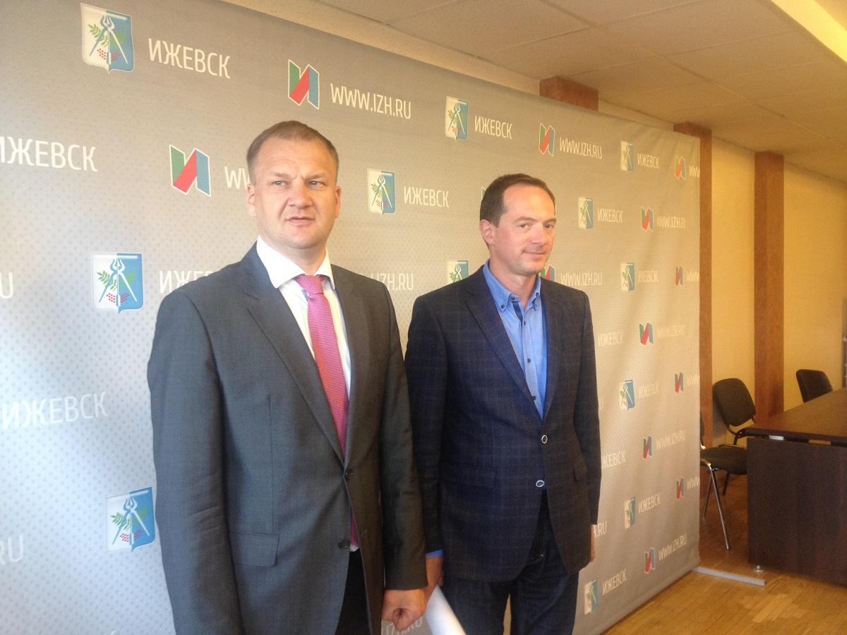 Олег Гарин и Константин Котов. Фото: © «ДЕНЬ.org»