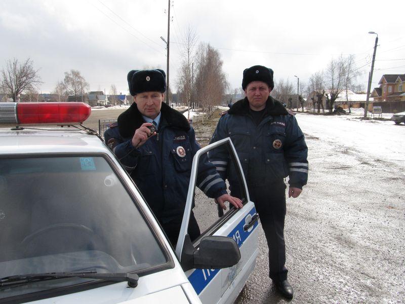 Николай Павлов и Владимир Головизнин. Фото: 1-й отдел УГИБДД МВД по УР