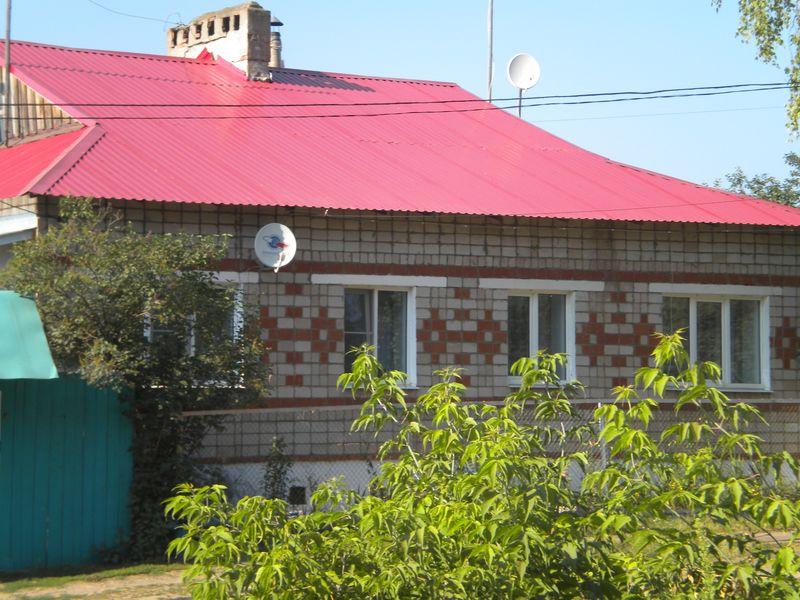 Антенны в соседней деревне. Фото ©День.org